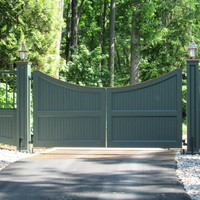 Mahogany gate coated Essex green